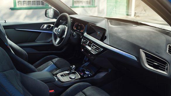 BMW 1er Cockpit aus Sicht des Beifahrers