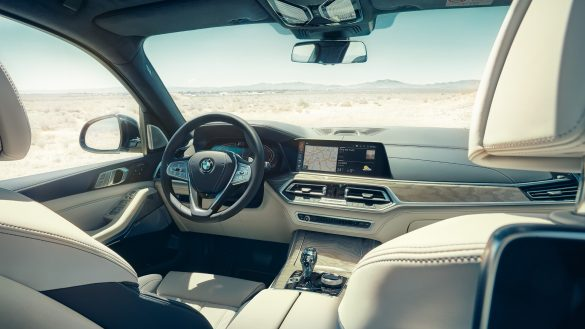 BMW X7 Cockpit