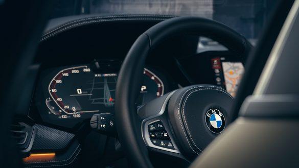BMW X6 Assistenzsysteme Lenkrad
