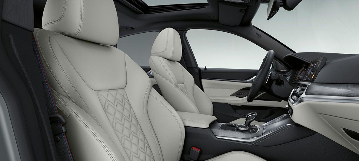 BMW Individual erweiterte Lederausstattung 'Merino' Elfenbeinweiß BMW 4er Gran Coupé G26 2021 Innenraum
